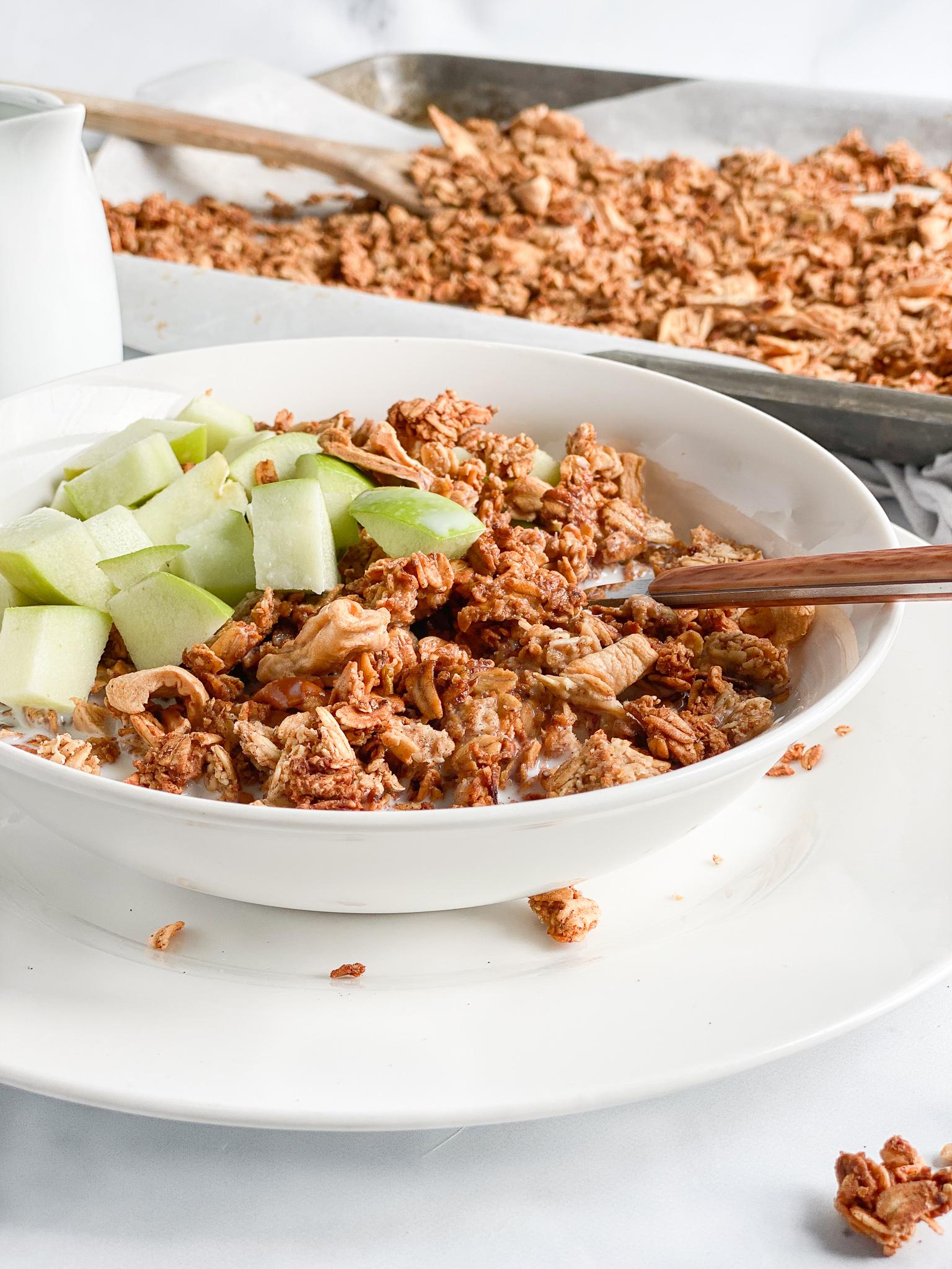 gluten free cinnamon apple granola